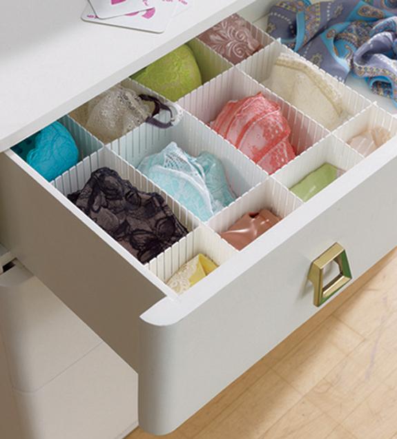 Uchování spodního prádla v šuplíku.